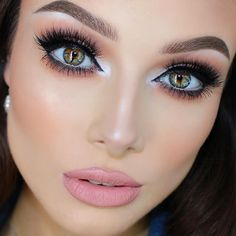 Beautiful Heterochromia Eyes! I wish I can have colored contact lenses like her eyes. #eye #color #makeup