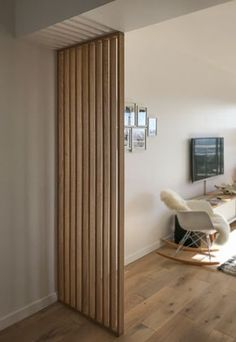 Interior Decorating Styles 53528 Small fencing partition at the bottom of the window side furniture level Home Room Design, Small Apartment Interior, Home Decor, House Interior, Home Deco, Home Interior Design, Room Partition Designs, Wooden Room Dividers, Interior Decorating Styles