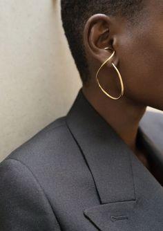 outfit inspo Statement Jewelry, Gold Jewelry, Jewelry Accessories, Jewelry Design, Wire Jewelry, Jewelry Ideas, Diy Schmuck, Schmuck Design, Bijou Box
