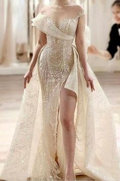 Wedding Dresses, Gowns, Ballgown, Wedding Dresses Lace, Vintage, With Sleeves, Ball Gowns, With Capes, With Pockets, Bridesmaid Dresses, Wedding Ideas, Simple, Mermaid, Brigerton Dress, Corset Dress, Wedding Aesthetic, Style, Wedding Rings, Wedding Hairstyles, Wedding Makeup, Bride Dress Princess, Wedding Dress Trends 2020, 2021, Wedding Outfit, #wedding #bride #dress