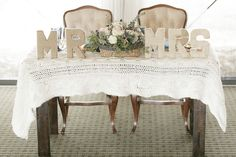Warm & Cozy Winter Lovely Winter Inspirational Shoot by @Mobella Events Bumby Photography on Southern Weddings Blog!