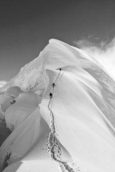 Nevado Chopicalqui, Peru, photo: Alexandre Buisse