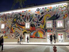 Painel de Joana Vasconcelos traz ainda mais beleza à Baixa do Porto