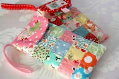 free photo-tut pattern: 'Phone Case Tutorial', This is So Cute & I Love the TINY PATCHWORK!! I do, however, think that cell phone bags or cases are superfluous (I always carry a *Large* Purse), so I'd like to Enlarge the Dimensions for a CAMERA CASE!! *from Crazy Heart Blog- Check her out if this is your style, she's got so much more supa cute stuff!! XD