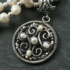 Pendant with netted background