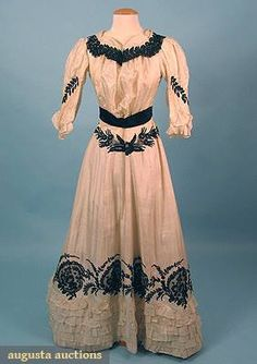 Augusta Auctions Summer Tea Gown, C. 1905
