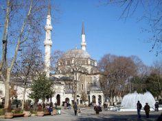 Eyüp Sultan Mosque & AYYUB AL-ANSARI TOMB - http://dinnercruisesistanbul.com/eyup-sultan-mosque-ayyub-al-ansari-tomb/