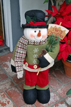 Christmas: Charming Christmas Front Porch Decorating Ideas Bringing The Holiday Feelings, Cute Snowman Crafts Decorations with Black Hat and Merry Christmas Board and Pine Needles and Brown Pine Cone for Front Porch Decor