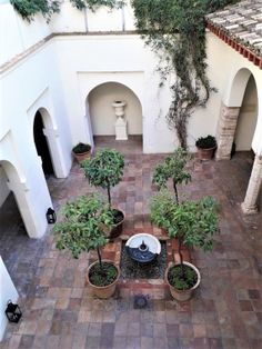 Casas de la Juderia, Cordoba Hotel Door, Styling A Buffet, Spanish Style Homes, Stay The Night, Andalucia, Walk In Shower, Outdoor Areas, Seville, Spain Travel