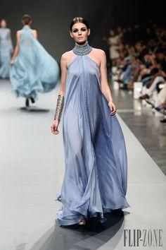 Ezra Primavera-Verão 2014 - Alta-Costura - http://pt.flip-zone.com/fashion/couture-1/independant-designers/ezra-4705