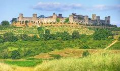 Monteriggioni - medieval castle outside of Siena Italy Travel, Italy Trip, Local Events, Medieval Castle, Romanesque, Travel Planner, Travel Style, Travel Photos, Monument Valley