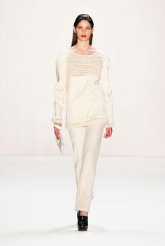 Hien Le - Fall 2013 Ready-to-Wear