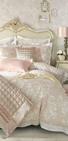 (via Glorious Bedding | Home♥sweet♥Home | Pinterest)