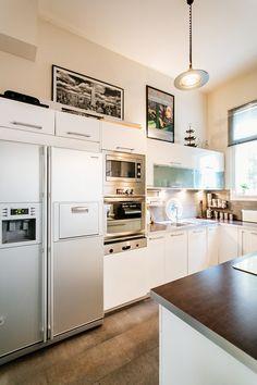 Fehér konyha ötlet // White kitchen idea Luxury Kitchens, Budapest, Kitchen Ideas, Inspiration, Home Decor, Kitchens, Luxury, Biblical Inspiration, Decoration Home