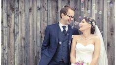 Wie haben andere Brautpaare ihre Hochzeit zu einem Fest abseits von Kitsch und Klischees gestaltet? Verrückt nach Hochzeit zeigt echte Hochzeiten.