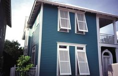 Hot Summer Weather Perfect for Minor Painting projects Just because the hot weather's here doesn't mean you can't do something cool with your home exterior.