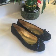 Coach Flats Authentic ! Beautiful black flats with amazing gold detailing. Only sign of wear are the soles in amazing condition . No box ! 🎀 Coach Shoes Flats & Loafers