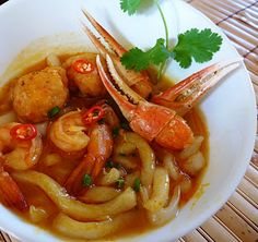 Bánh Canh Cua Tôm / Vietnamese Crab and Shrimp Udon Soup Recipe (The Spices Of Life)