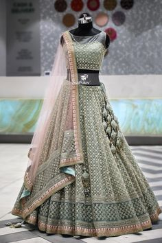 lehnga dress MahaRani Couture - WhatsApp 918320238260 - Source by tivanshee - Indian Wedding Gowns, Indian Gowns Dresses, Indian Bridal Outfits, Indian Bridal Lehenga, Indian Designer Outfits, Wedding Hijab, Designer Dresses, Dresses Dresses, Gown Wedding