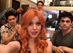 Promo shoot shenanigans with the crew - Isaiah Mustafa (Luke Graymark), Harry Shun Jr (Magnus Bane), Katherine McNamara (Clary Fray),Mathew Daddario (Alec Lightwood) and Alberto Rosende (Simon Lewis) - ShadowHunters Kat Mcnamara, Katherine Mcnamara, Shadowhunters Tv Series, Shadowhunters The Mortal Instruments, Isabelle Lightwood, Alec Lightwood, Shadow Hunters Tv Show, Clary Y Jace, Clary Fray