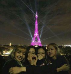 𝐛𝐥𝐚𝐜𝐤𝐩𝐢𝐧𝐤, 𝐨𝐭𝟒 kpop ɞ Kpop Girl Groups, Korean Girl Groups, Kpop Girls, Divas, Blackpink Jisoo, Kim Jennie, Blackpink Wallpaper, Blackpink Members, Black Pink Kpop