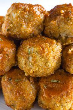 Buffalo Cauliflower Quinoa Meatballs | Delicious meatless meatballs marinaded in homemade buffalo sauce! | thealmondeater.com