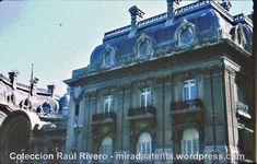 Década de 1960: Fachada principal del Palacio San Martín sobre la calle Arenales, sede de la Cancillería Argentina desde 1936, ex residencia de la familia Anchorena inaugurada en 1909 por el Arq. Alejandro Christophersen. Se observa el frente con su revoque símil piedra oscurecido por el hollín, que posteriormente fue cubierto con pintura blanca (al igual que el Palacio Paz) y en la actualidad se encuentra restaurado