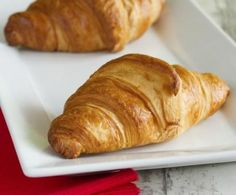 Perfect for breakfast or a snack, brioches are the end of the world both empty and stuffed, especial Croissants, Easy Bread, Zucchini Bread, Sweet Bread, Bread Recipes, Waffles, Homemade, Snacks, Cooking