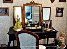 Adamsleigh Showhouse: Anita Phipps' European Antiques Inspired Powder Room | The Decorating Diva, LLC