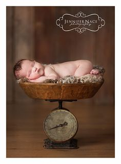 New Born Baby Photography Picture Description Newborn photograpy Newborn Poses, Newborn Session, Newborns, Newborn Pictures, Baby Pictures, Soothing Baby, Maternity Photography, Infant Photography, Bitty Baby