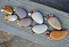 takapihalla maisemointi ideoita rannalla pikkukiviä