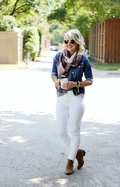 Just because today is October 1st, well past Labor Day, it doesn't mean we have to pack away our beloved white jeans for another year. No ma'am....we can rock those white jeans all year long! But befo