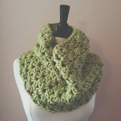made from a super soft acrylic, this cowl is made with a feminine v stitch. it is stylish and versatile. wear it indoors or out. the denver cowl