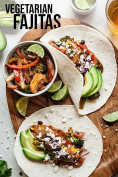 fajitas are so quick and easy to make! This is my go-to meatless dinner idea.Vegetarian fajitas are so quick and easy to make! This is my go-to meatless dinner idea. Vegetarian Fajitas, Vegan Fajitas, Vegetarian Mexican, Vegetarian Lunch, Bean Recipes, Veggie Recipes, Mexican Food Recipes, Vegetarian Recipes, Healthy Recipes