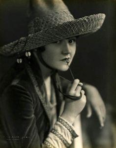 Photoplay March 1928 Dorothy Devore Dorothy Devore Pinterest