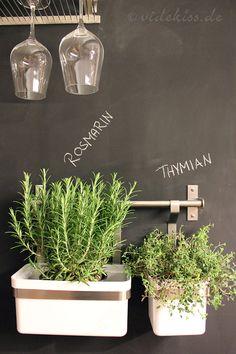 Chalkboard - Tafelwand selbst bauen - herbs - Kräuterregal - Videkiss.de