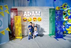 Adam's Emoji-fied Themed Party – Photowall Emoji Theme Party, Party Themes, Party Ideas, Emoji Faces, Different Games, Kid Table, Heart For Kids, 1st Birthdays, Balloon Decorations