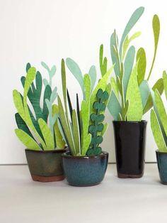 DIY : un cactus en carton Flower Crafts, Diy Flowers, Spring Flowers, Paper Flowers, Paper Leaves, Flowers Garden, Exotic Flowers, Purple Flowers, Diy Paper