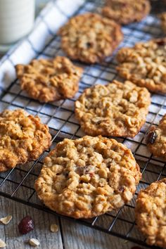 Add this recipe for oatmeal cranberry cookies to your holiday cookie rotation! They are easy to make, chewy and delicious! | honeyandbirch.com