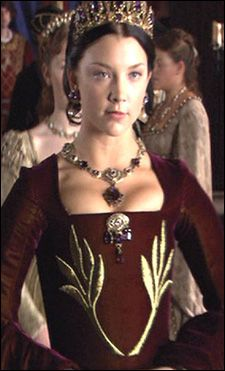 Writing a research paper on anne boleyn...but need help!?