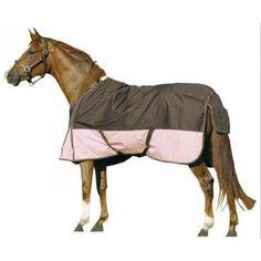 Outdoordeken in 2 kleurenstelling met fleecevoering. Deze deken heeft door de voering een optimale zweetopname en laat waterdamp goed door voor een goede vochtregulering onder de deken.
