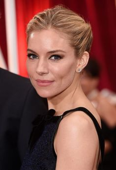 Hair updos are vital for any special occasion. We've rounded up the chicest updo hairstyles from the red-carpet to give you instant inspiration. Sienna Miller, Fashion Over, Boho Fashion, Womens Fashion, Fashion Hats, Hat Hairstyles, Fashion Images, Hair Inspiration, Hair Beauty