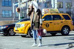 Fashion blogger Linda Tol on a street style photo taken during NYFW.