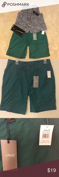 """NWT Jag jeans brand shorts New with tags Jag jeans brand Tanner short in Emerald palm color, size 12. 9"""" inseam with cuffed leg and pockets. all items shown in first picture are listed in my closet, please consider a bundle!! Jag Jeans Shorts Bermudas"""