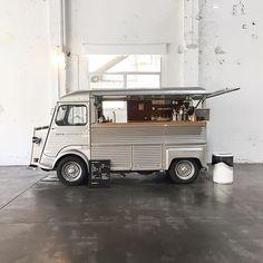 Food Truck #barcelona #foodstruck #streetfood #coffeetruck Coffee Truck, Food Truck, Street Food, Barcelona, Trucks, Instagram Posts, Food Carts, Japanese Street Food, Barcelona Spain