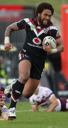 The New Zealand Warriors showed they are back as a force in the NRL by beating Manly on Sunday to notch their third consecutive victory. National Rugby League, Sonny Bill Williams, Football Posters, Rugby Men, Star Wars, World Of Sports, Biceps, Bobs, My Boys