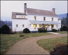 The farmhouse exterior design totally reflects the total style of the house and the family tradition also.