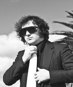 Artista, músico y cantautor uruguayo: @maxcapotetw y una lista dedicada a las ♀ mujeres ♀ ☞http://goo.gl/7T4ym8