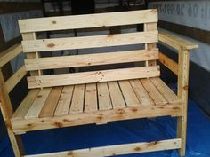 Outdoor Seating Bench Made From Pallets Wood   Pallet Furniture Plans