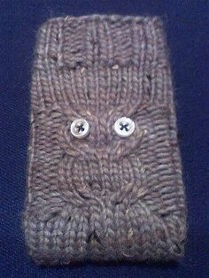 ipod cozy/owl   @Kelly Conley   think you can make this instead? :)